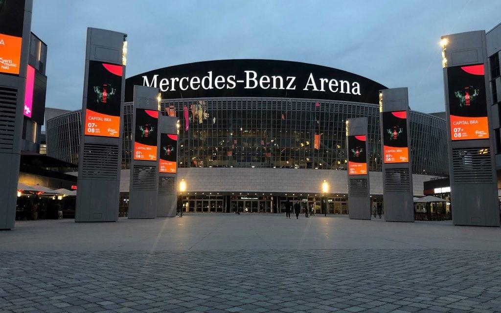 Der Mercedes Platz in Berlin © Pola Weiß/ VR Geschichten